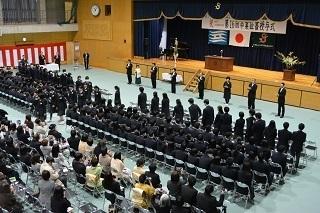 10卒業生退場DSC_0107.JPG