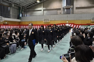 2卒業生入場DSC_9034.JPG
